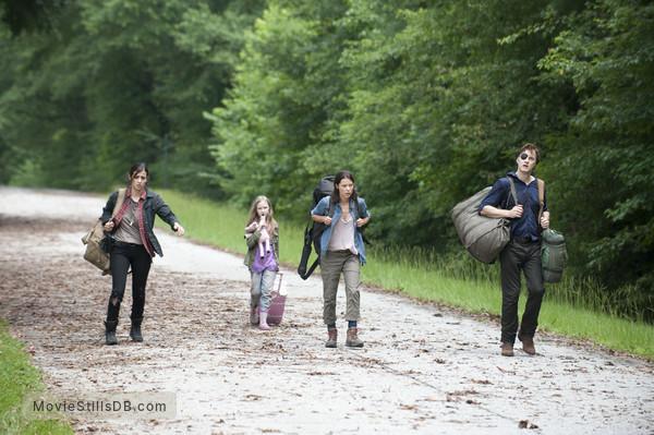 The Walking Dead - Publicity still of David Morrissey, Audrey Marie Anderson, Alanna Masterson & Meyrick Murphy