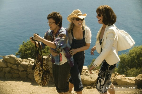 Mamma Mia! - Publicity still of Meryl Streep, Julie Walters & Christine Baranski