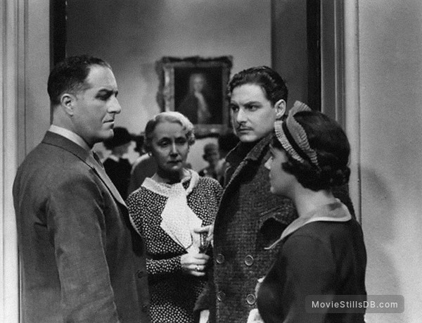 The 39 Steps - Publicity still of Robert Donat, Godfrey Tearle, Helen Haye & Peggy Simpson