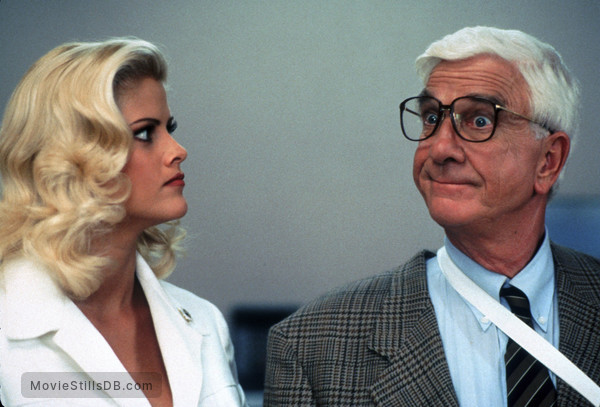 Naked Gun 33 13 The Final Insult - Publicity Still Of Leslie Nielsen  Anna Nicole Smith-5489
