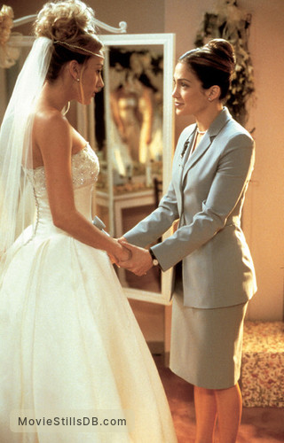 The Wedding Planner - Publicity still of Jennifer Lopez & Bridgette Wilson