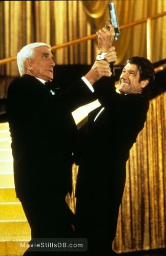 Naked Gun 33 1/3: The Final Insult - Publicity still of Leslie Nielsen & Fred Ward