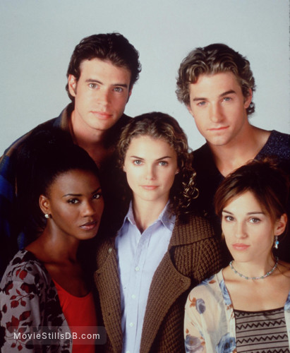 Felicity - Promo shot of Amy Jo Johnson, Keri Russell, Scott Speedman, Scott Foley & Tangi Miller