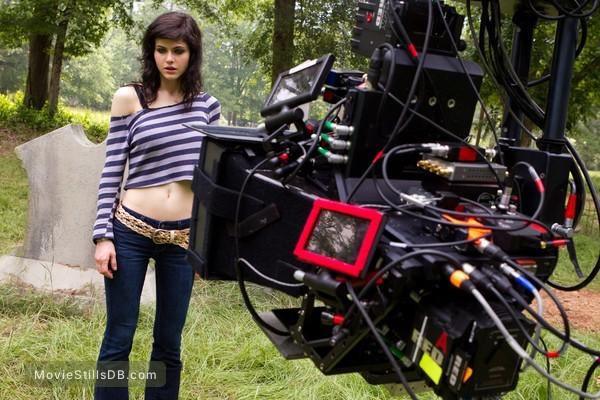Texas Chainsaw Massacre 3D - Behind the scenes photo of Alexandra Daddario