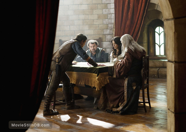 Legend of the Seeker - Publicity still of Craig Horner, Peter Ford, Bridget Regan & Bruce Spence
