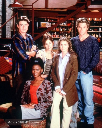Felicity - Promo shot of Scott Foley, Scott Speedman, Tangi Miller, Keri Russell & Amy Jo Johnson