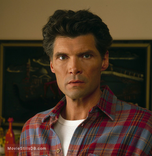 Twin Peaks - Promo shot of Everett McGill