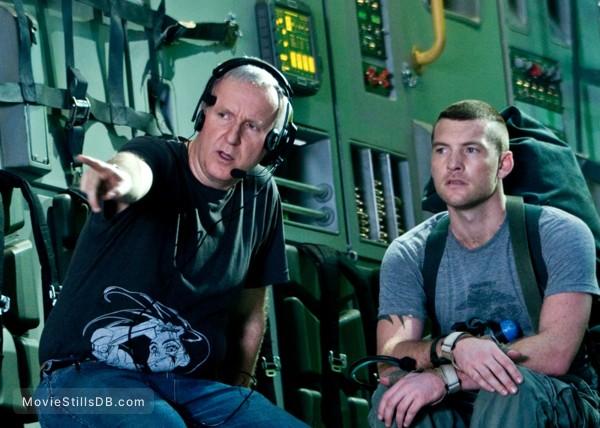 Avatar - Behind the scenes photo of James Cameron & Sam Worthington