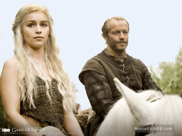 Game of Thrones - Wallpaper with Emilia Clarke & Iain Glen