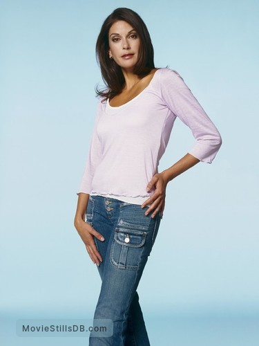 Desperate Housewives - Promo shot of Teri Hatcher