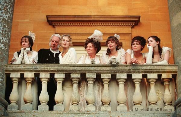 Pride & Prejudice - Publicity still of Keira Knightley, Donald Sutherland, Brenda Blethyn, Rosamund Pike, Talulah Riley, Jena Malone & Carey Mulligan