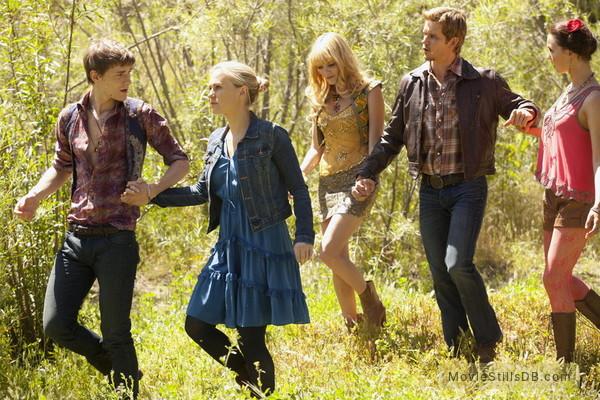 True Blood - Publicity still of Anna Paquin, Ryan Kwanten, Giles Matthey & Camilla Luddington