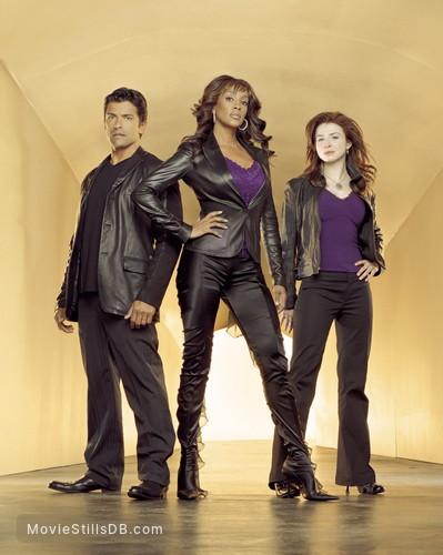 1-800-Missing - Promo shot of Caterina Scorsone, Mark Consuelos & Vivica A. Fox