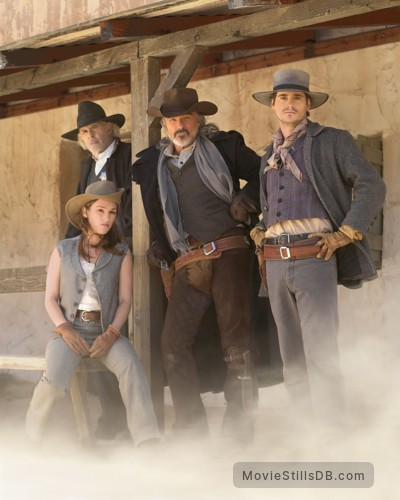 Hard Ground - Promo shot of Amy Jo Johnson, Seth Peterson, Burt Reynolds & Bruce Dern