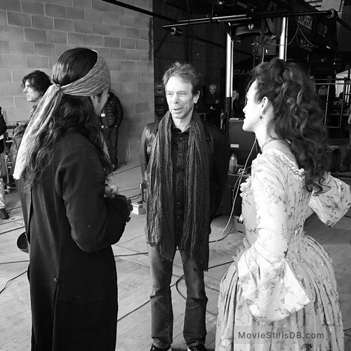 Pirates of the Caribbean: Dead Men Tell No Tales - Behind the scenes photo of Orlando Bloom, Keira Knightley & Jerry Bruckheimer