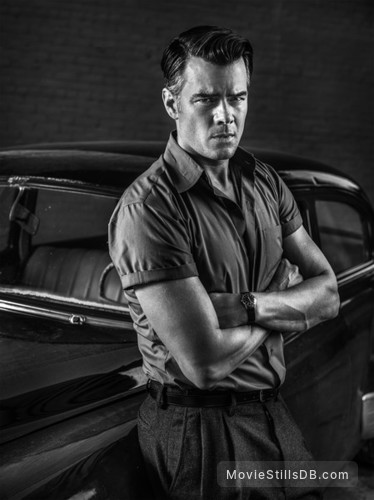 11.22.63 - Promo shot of Josh Duhamel