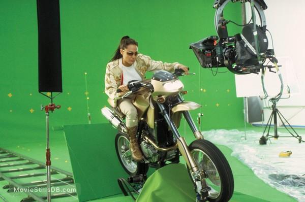 Lara Croft Tomb Raider: The Cradle of Life - Behind the scenes photo of Angelina Jolie