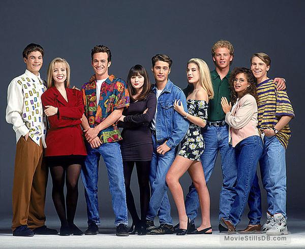 Beverly Hills, 90210 - Promo shot of Brian Austin Green, Shannen Doherty, Ian Ziering, Jennie Garth, Tori Spelling, Gabrielle Carteris, Luke Perry, Jason Priestley & Douglas Emerson