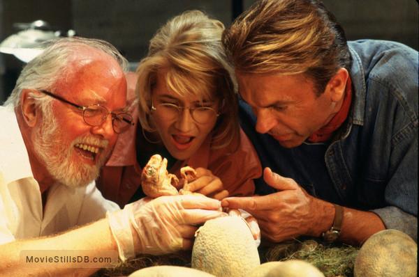 Jurassic Park - Publicity still of Richard Attenborough, Sam Neill & Laura Dern