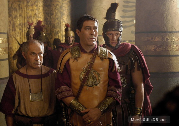 Rome - Publicity still of Ciarán Hinds, Kevin McKidd & Nicholas Woodeson
