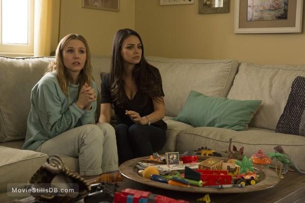 Bad Moms - Publicity still of Kristen Bell & Mila Kunis