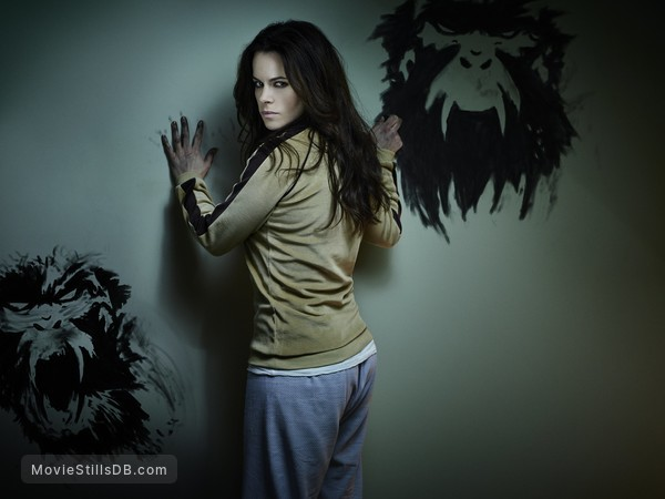 12 Monkeys - Promo shot of Emily Hampshire