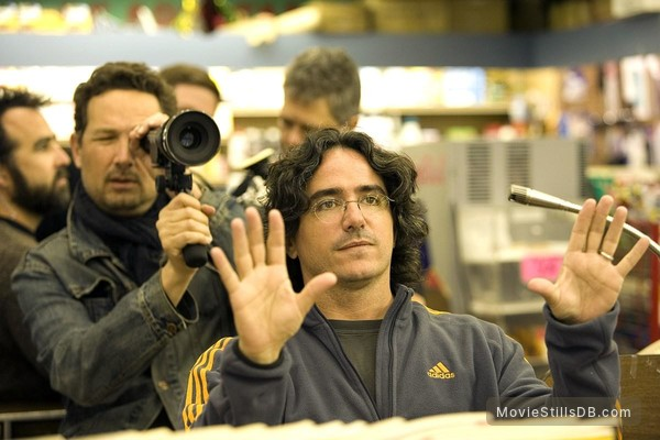 10 Items or Less - Behind the scenes photo of Brad Silberling