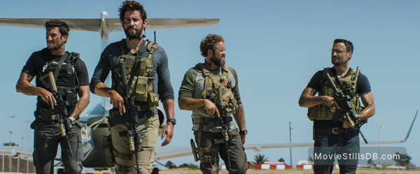 13 Hours: The Secret Soldiers of Benghazi - Publicity still of John Krasinski, David Denman, Pablo Schreiber & Dominic Fumusa