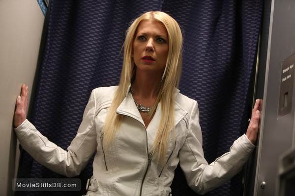Sharknado 2: The Second One - Publicity still of Tara Reid