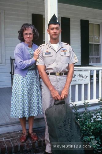 Forrest Gump - Publicity still of Tom Hanks & Sally Field
