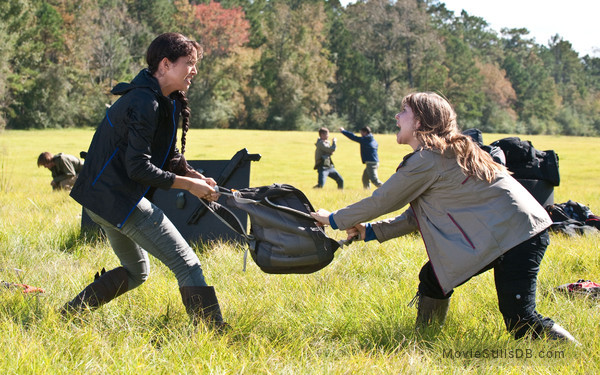 The Starving Games - Publicity still of Maiara Walsh & Brittney Karbowski