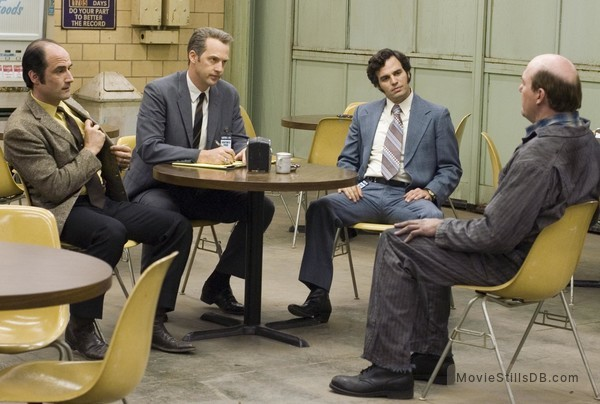 Zodiac - Publicity still of Anthony Edwards, Elias Koteas, John Carroll Lynch & Mark Ruffalo