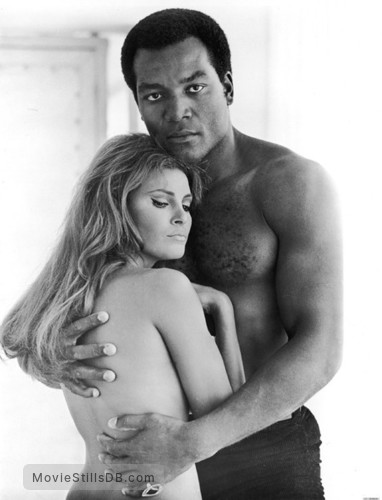 100 Rifles - Promo shot of Raquel Welch & Jim Brown