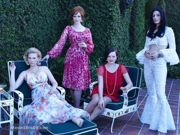 Mad Men - Promo shot of January Jones, Christina Hendricks, Elisabeth Moss & Jessica Paré