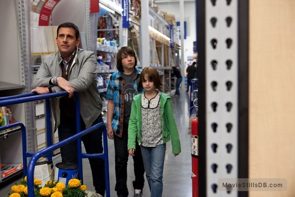 Crazy, Stupid, Love. - Publicity still of Steve Carell, Jonah Bobo & Joey King