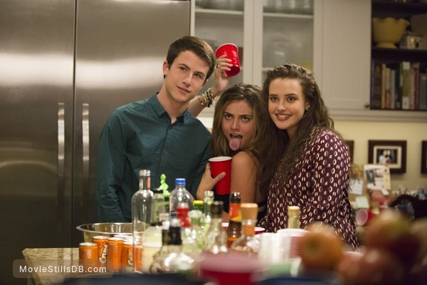 13 Reasons Why - Publicity still of Dylan Kenin & Katherine Langford