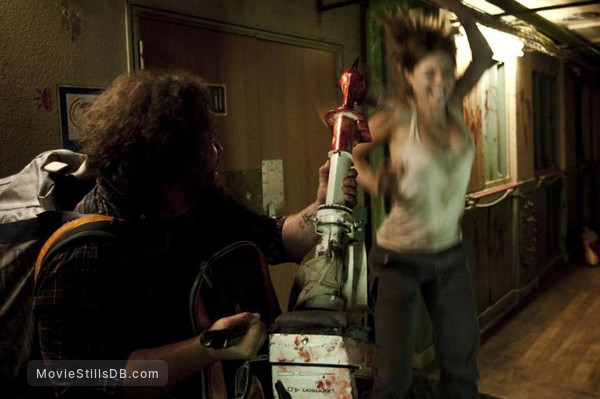 [REC] 4: Apocalipsis - Publicity still of Manuela Velasco & Ismael Fritschi