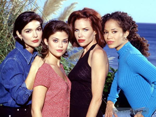 Sunset Beach - Promo shot of Susan Ward, Sarah Buxton, Sherri Saum & Laura Harring