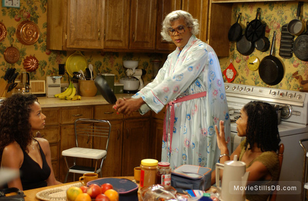 Madea's Family Reunion - Publicity still of Tyler Perry, Rochelle Aytes & Lisa Arrindell