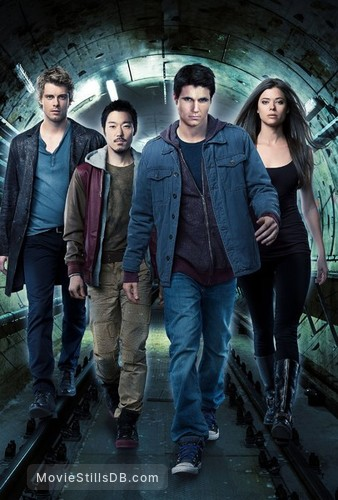 The Tomorrow People - Promo shot of Luke Mitchell, Aaron Yoo, Robbie Amell & Peyton List