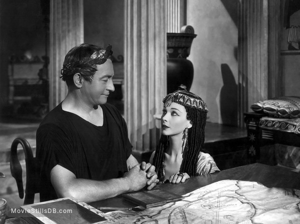 Caesar and Cleopatra - Publicity still of Vivien Leigh & Claude Rains