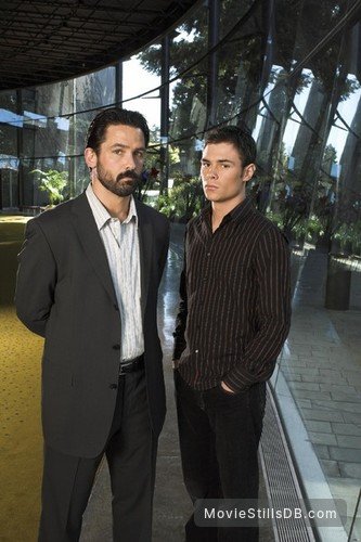 The 4400 - Promo shot of Billy Campbell & Patrick John Flueger