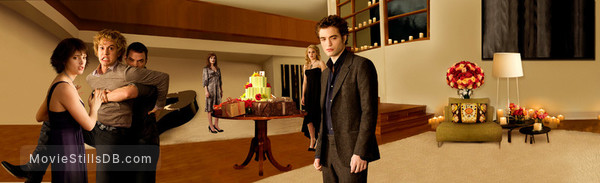 The Twilight Saga: New Moon - Promo shot of Robert Pattinson, Ashley Greene, Elizabeth Reaser, Nikki Reed, Kellan Lutz & Jackson Rathbone