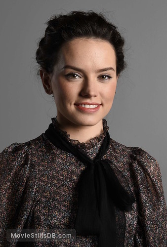 Star Wars: The Force Awakens - Promo shot of Daisy Ridley