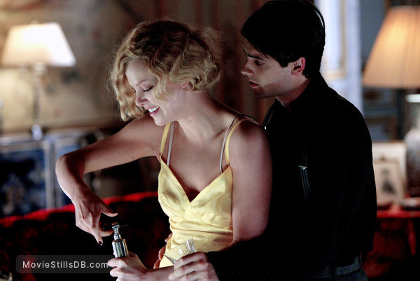Head In The Clouds - Publicity still of Charlize Theron & Stuart Townsend
