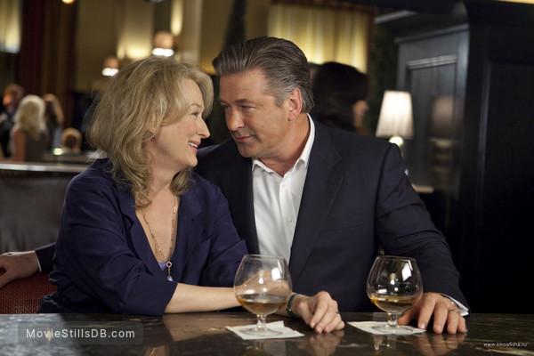 It's Complicated - Publicity still of Alec Baldwin & Meryl Streep