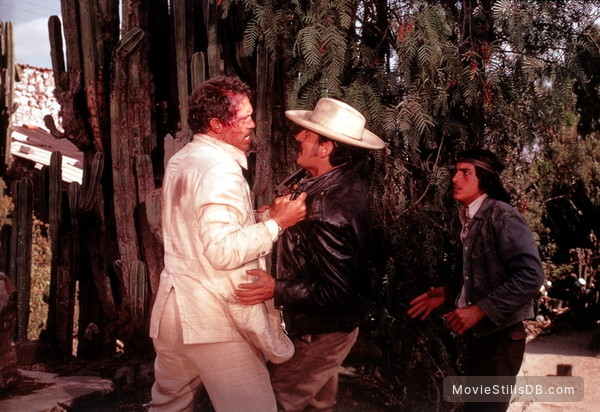 Bring Me the Head of Alfredo Garcia - Publicity still of Warren Oates