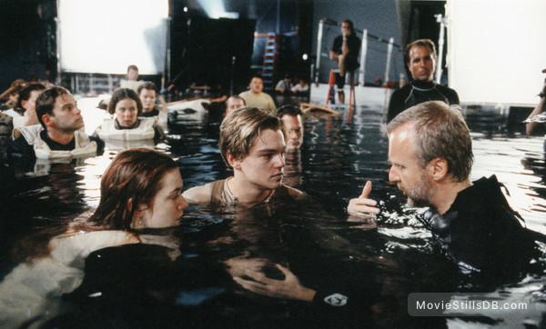 Titanic - Behind the scenes photo of Leonardo DiCaprio, Kate Winslet & James Cameron