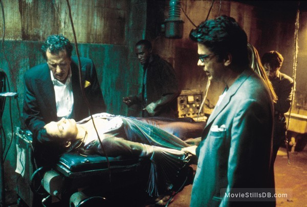 House On Haunted Hill - Publicity still of Peter Gallagher & Geoffrey Rush