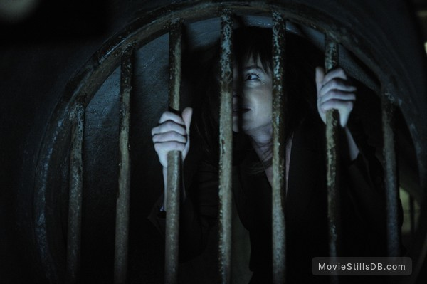 Saw V - Publicity still of Julie Benz